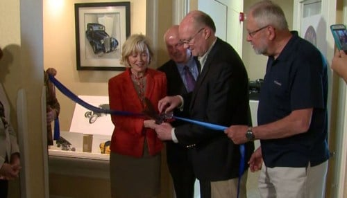 Former Lt. Governor Becky Skillman and Indiana Artisan Director Eric Freeman cut the ribbon on the new retail store.