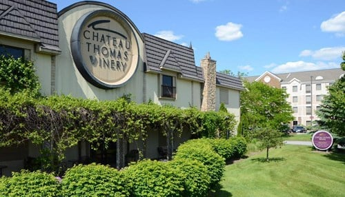 (Image courtesy of Chateau Thomas WInery.)