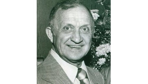Visclosky's service to the city of Gary also included time as deputy city controller and city controller.