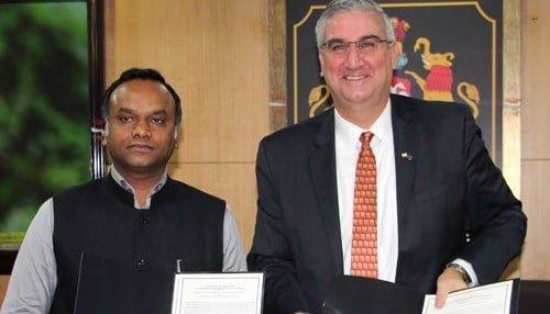 Holcomb signed the agreement with Karnataka Minister for Information Technology, Biotechnology and Tourism Priyank Kharge.