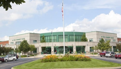 Image of the Ivy Tech Community College Bloomington campus courtesy of Ivy Tech.