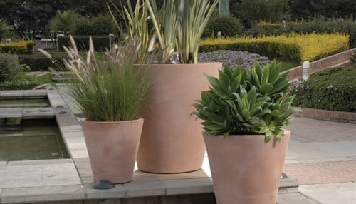 NewPro manufactures, imports, and distributes indoor and outdoor plant containers.