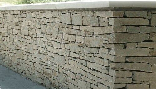 A stone wall made by Indian Creek Stone Products